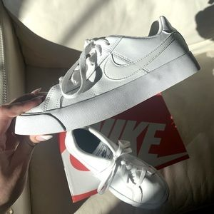 Nike Court Royale AC Sneakers